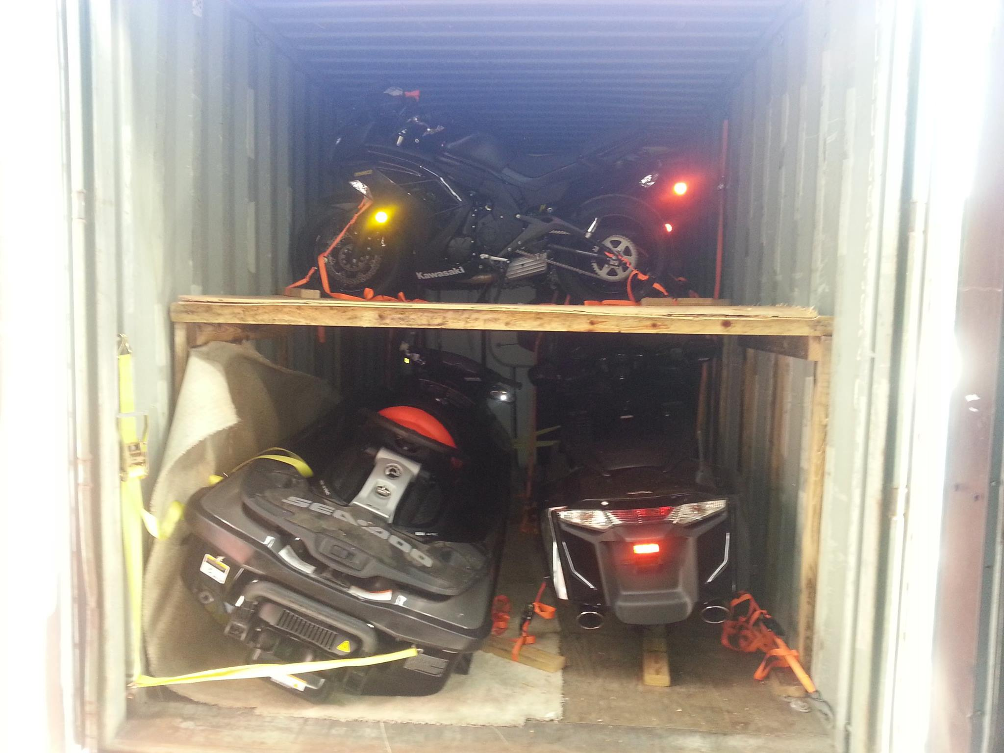 loading motorcycles in 40 foot container to egypt